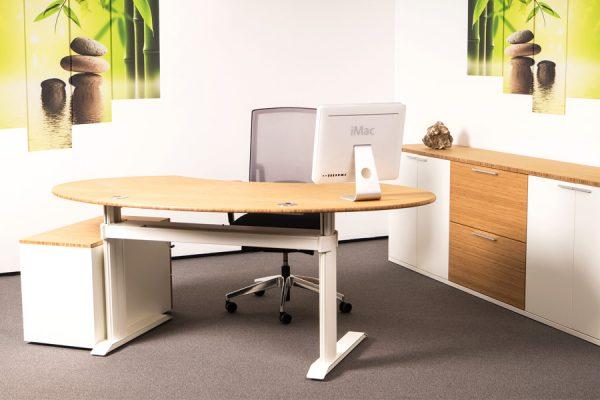 LEUWICO-GO2-Steh-Sitz-Tisch-Bambus