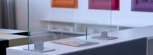 LEUWICO Glas-Schutzblende Thekenaufsatz