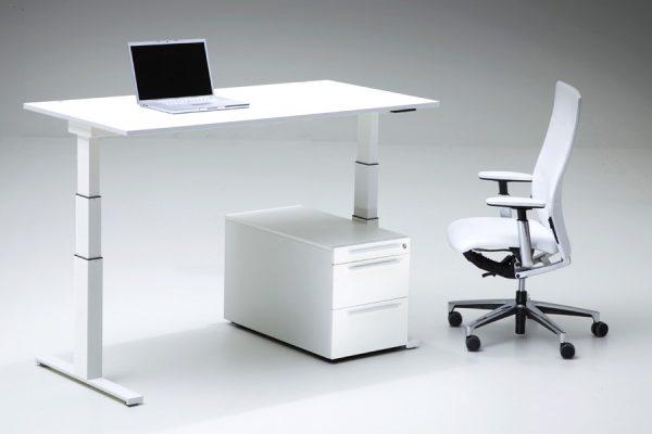 LEUWICO-Spine-2-Hoehenverstellbarer-Schreibtisch3