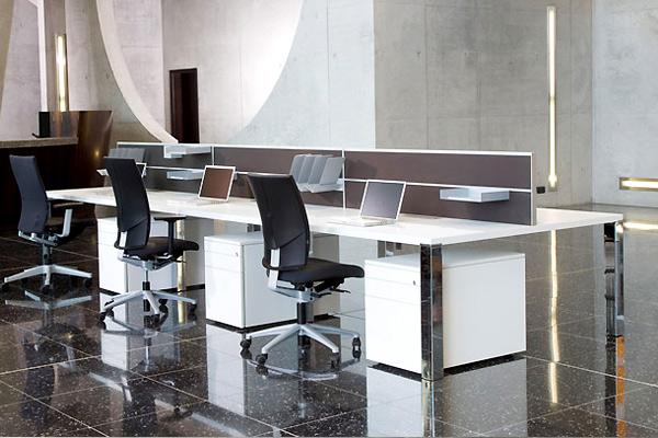 LEUWICO-iONE-Schreibtisch-2