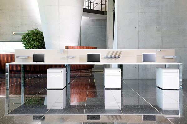 LEUWICO-iONE-Schreibtisch-6