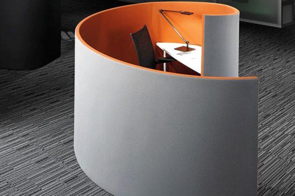 Leuwico-Akustikloesung-Arbeitsplatz-Schalldaemmung
