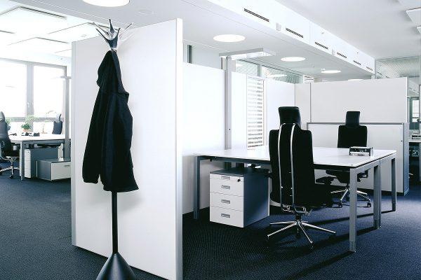 Leuwico-Akustikloesung-Arbeitsplatz-Trennwand-1